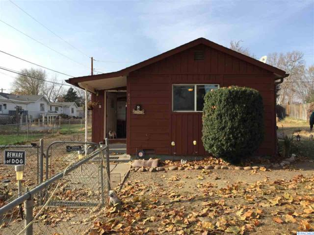 461 N 60th Ave., West Richland, WA 99353 (MLS #233914) :: The Lalka Group