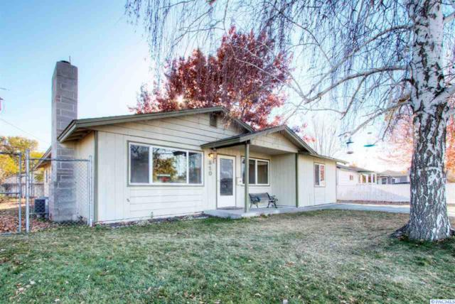 510 Snow Ave, Richland, WA 99352 (MLS #233918) :: The Lalka Group