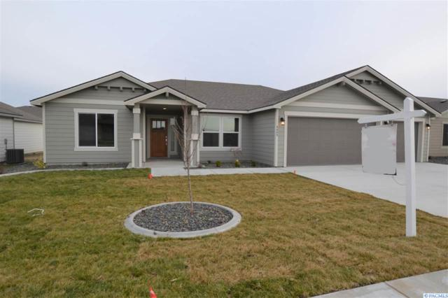 4409 Sumas Ln, Pasco, WA 99301 (MLS #233981) :: The Lalka Group