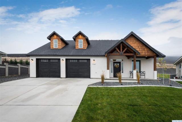 1747 W 52nd Ave., Kennewick, WA 99337 (MLS #234519) :: Community Real Estate Group