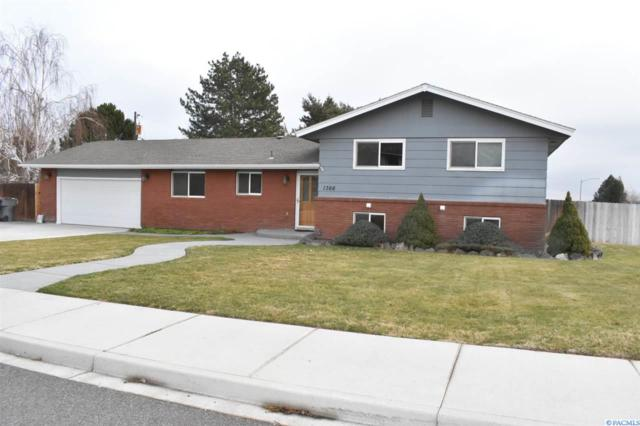 1366 Baywood Ave, Richland, WA 99352 (MLS #234731) :: Community Real Estate Group