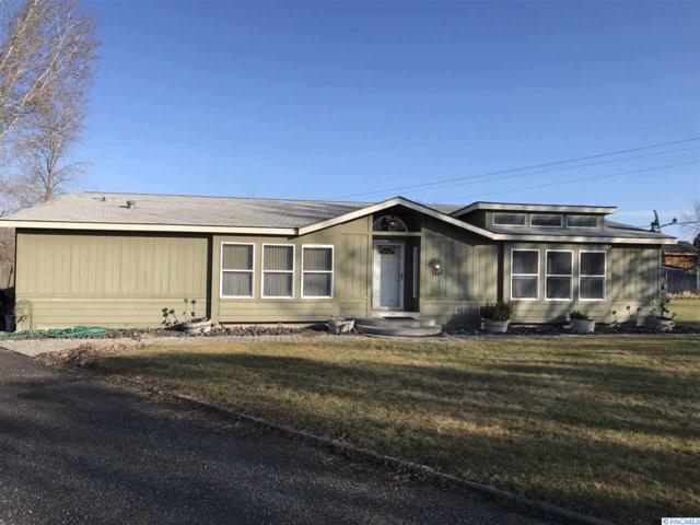 3900 Jennylake Drive, West Richland, WA 99353 (MLS #234796) :: The Lalka Group