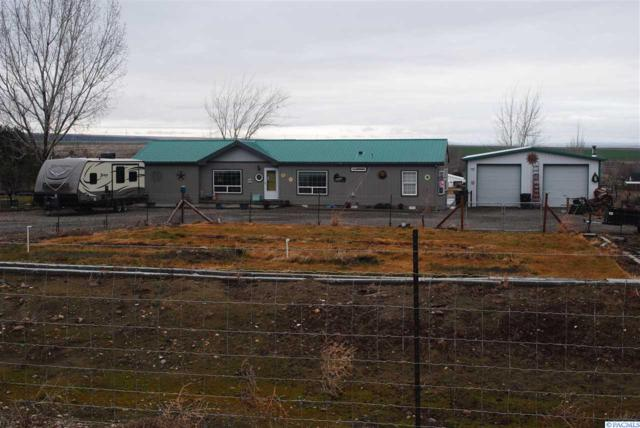 22304 E Tara Rd, Benton City, WA 99320 (MLS #234874) :: Community Real Estate Group
