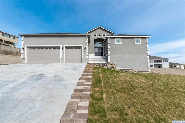 4346 Maple Ln, West Richland, WA 99353 (MLS #234884) :: The Lalka Group