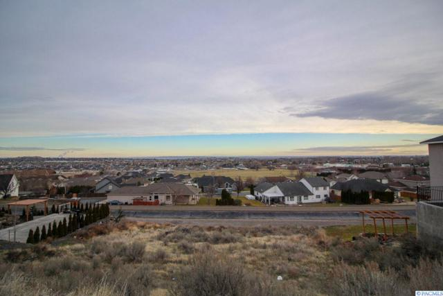 5300 Hershey Lane, West Richland, WA 99353 (MLS #234887) :: The Lalka Group