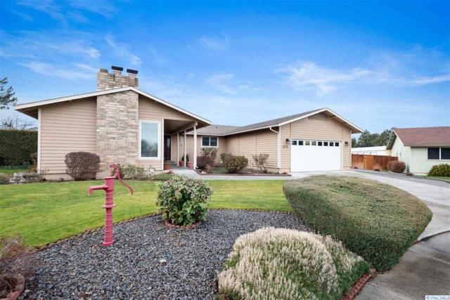 4211 W 17th Court, Kennewick, WA 99338 (MLS #234914) :: Premier Solutions Realty