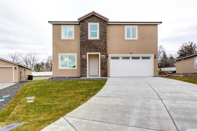 601 S Huntington Pl, Kennewick, WA 99337 (MLS #234993) :: Premier Solutions Realty