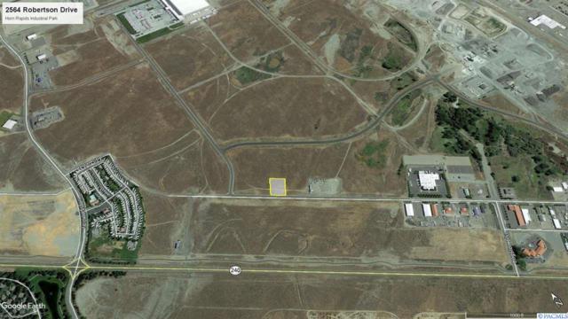 2564 Robertson Drive, Richland, WA 99354 (MLS #235102) :: Dallas Green Team