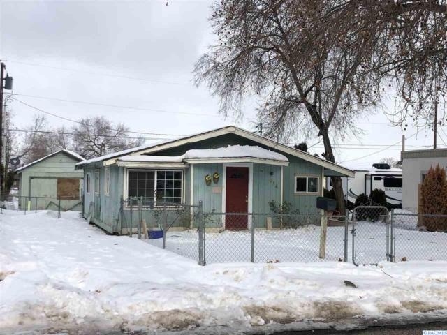 914 W Canal Dr, Kennewick, WA 99336 (MLS #235389) :: Community Real Estate Group