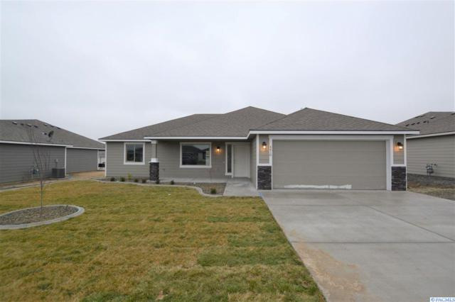 4418 Vermilion Ln, Pasco, WA 99301 (MLS #235415) :: The Lalka Group