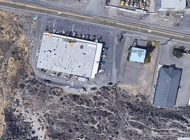 5399 W Van Giesen, West Richland, WA 99353 (MLS #235744) :: The Lalka Group