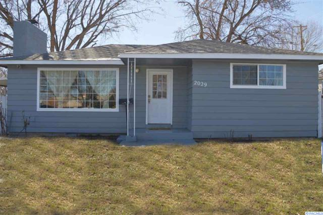 2029 W 4th Ave, Kennewick, WA 99336 (MLS #235981) :: Premier Solutions Realty