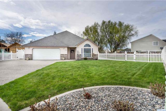 4502 Desert Cove, West Richland, WA 99353 (MLS #236406) :: Dallas Green Team