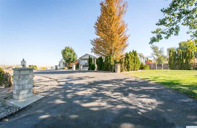 7405 W Van Giesen St, West Richland, WA 99353 (MLS #236656) :: Community Real Estate Group