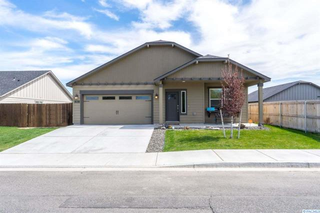 2913 S Jean St, Kennewick, WA 99337 (MLS #236675) :: Dallas Green Team