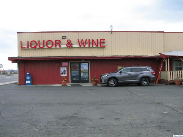 1180 N Stratford Rd, Moses Lake, WA 98837 (MLS #236681) :: The Lalka Group