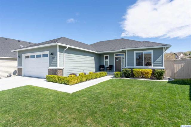 1136 N Montana St, Kennewick, WA 99336 (MLS #236682) :: Dallas Green Team