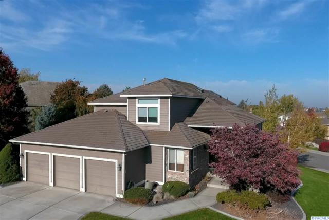 4403 S Irby Lp, Kennewick, WA 99337 (MLS #236698) :: Dallas Green Team