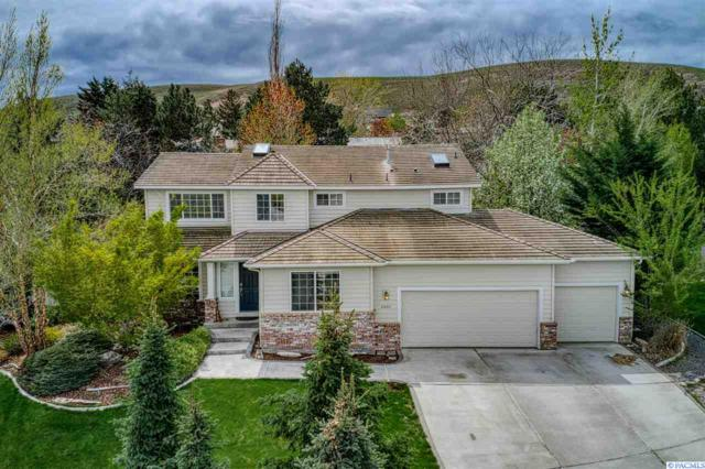 4404 S Irby Loop, Kennewick, WA 99337 (MLS #236701) :: Community Real Estate Group