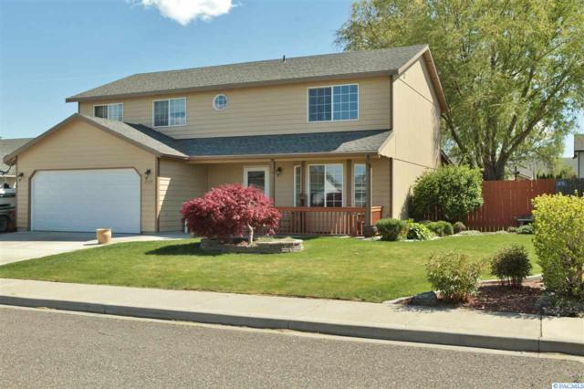 2009 W 30th Pl, Kennewick, WA 99337 (MLS #236984) :: The Lalka Group