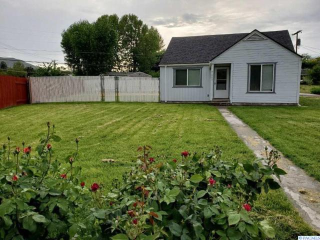 803 9th St, Benton City, WA 99320 (MLS #237374) :: Community Real Estate Group