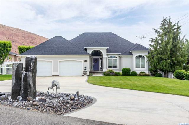 2760 Lapierre Canyon Dr, Kennewick, WA 99338 (MLS #237376) :: The Lalka Group