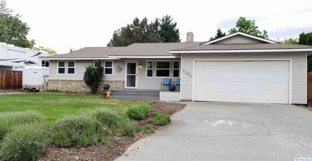 3206 W 24th Ave., Kennewick, WA 99337 (MLS #237392) :: The Lalka Group