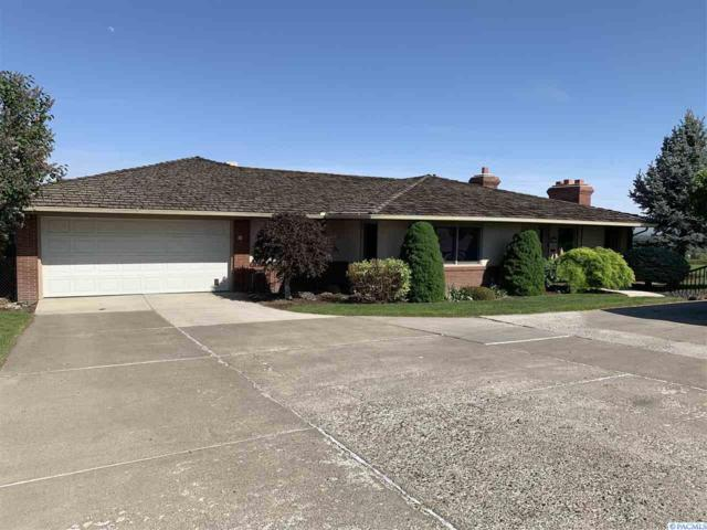 201 Hillcrest Drive, Selah, WA 98942 (MLS #237394) :: Premier Solutions Realty