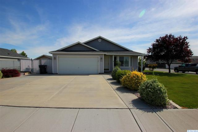 9420 Palomino Dr, Pasco, WA 99301 (MLS #237418) :: The Lalka Group