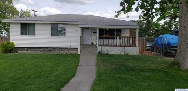 2123 N 18th Ave, Pasco, WA 99301 (MLS #237422) :: The Lalka Group