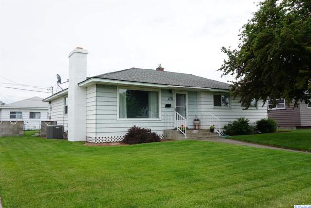 1731 N 18th Ave, Pasco, WA 99301 (MLS #237496) :: The Lalka Group