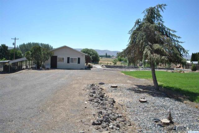 24741 N Crosby Rd, Prosser, WA 99350 (MLS #238078) :: Community Real Estate Group