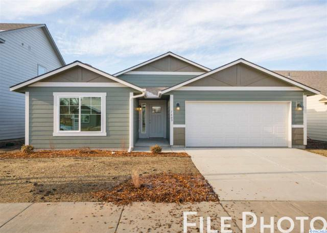 451 E 34th Ct, Kennewick, WA 99337 (MLS #238190) :: Dallas Green Team