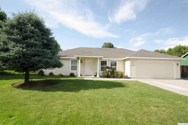 2707 S Tacoma Place, Kennewick, WA 99337 (MLS #238322) :: Community Real Estate Group