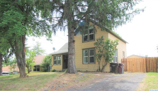 321 NW Harrison St, Pullman, WA 99163 (MLS #238324) :: Community Real Estate Group