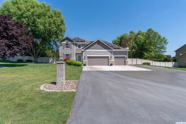 13211 Cottonwood Creek Blvd, Kennewick, WA 99338 (MLS #238381) :: Dallas Green Team