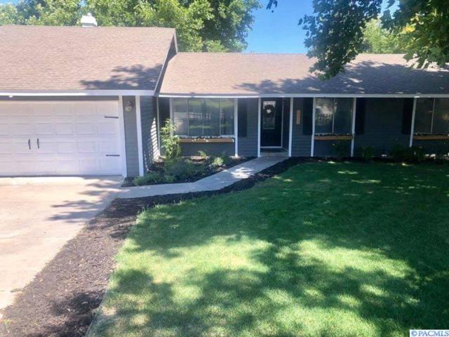 1200 W Park Hills Drive, Kennewick, WA 99337 (MLS #238625) :: Dallas Green Team