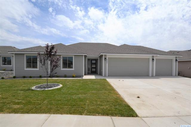 8202 Babine Dr, Pasco, WA 99301 (MLS #238872) :: The Lalka Group