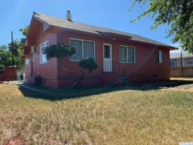 318 N F, Toppenish, WA 98948 (MLS #238899) :: The Lalka Group