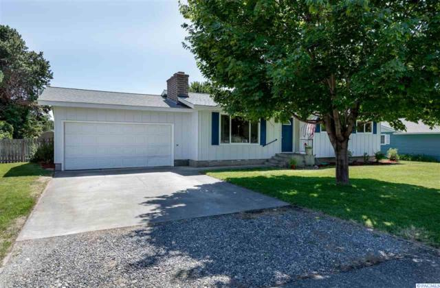 4504 W Henry St, Pasco, WA 99301 (MLS #239051) :: Dallas Green Team