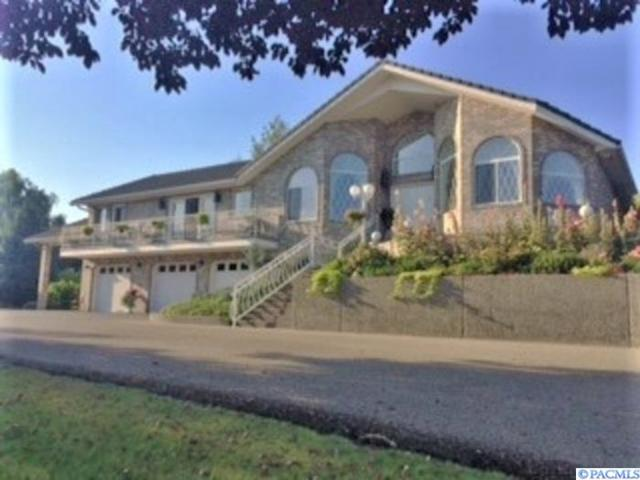 607 Wheeler Ave, Sunnyside, WA 98944 (MLS #239715) :: Premier Solutions Realty