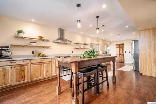 67006 N Whan Rd, Benton City, WA 93320 (MLS #240603) :: Community Real Estate Group