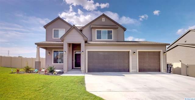 6681 W 33rd Place, Kennewick, WA 99338 (MLS #240637) :: The Lalka Group