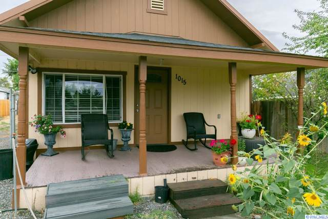 1015 S 5th Ave, Pasco, WA 99301 (MLS #240708) :: The Lalka Group