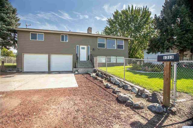 1313 Road 42, Pasco, WA 99301 (MLS #240710) :: Dallas Green Team