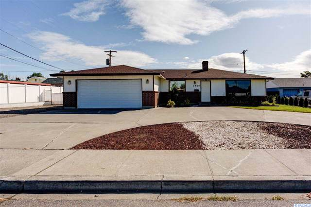 1925 N 14Th Ave, Pasco, WA 99301 (MLS #240716) :: Dallas Green Team