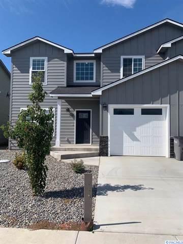 708 Fountain, Zillah, WA 98953 (MLS #240736) :: Community Real Estate Group