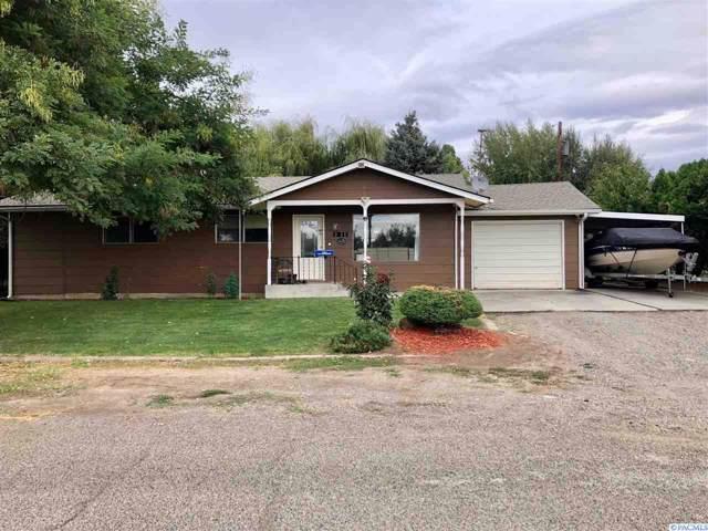1811 Beacon Rd, Grandview, WA 98930 (MLS #240744) :: Community Real Estate Group