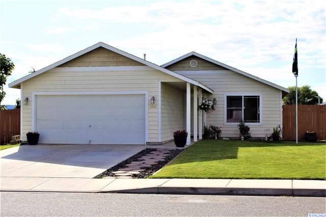 4602 Finnhorse Drive, Pasco, WA 99301 (MLS #240786) :: Community Real Estate Group