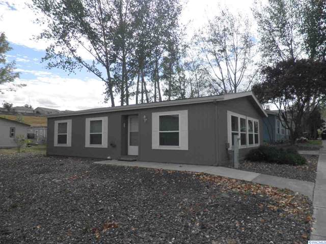 105 NW Glenhaven, Pullman, WA 99163 (MLS #240855) :: Beasley Realty
